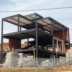 2 - estrutura mista com materiais convencionais e diferenciados