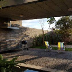 6 - vista interna de residencia de alto padrão