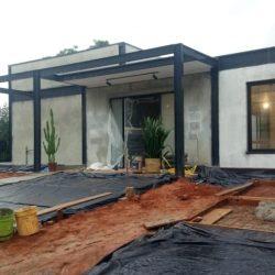 1 - fachada de casa com fechamento em alvenaria